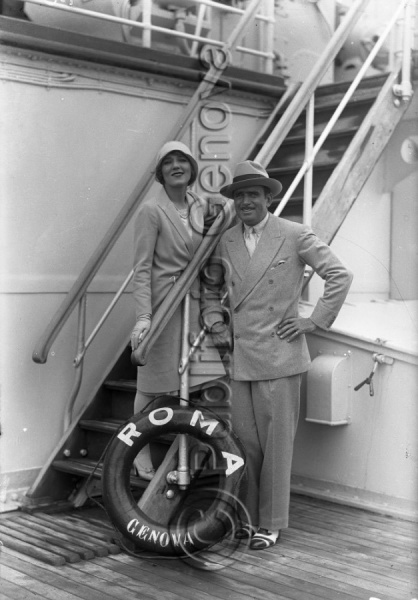 MARY PICKFORD E DOUGLAS FAIRBANKS
